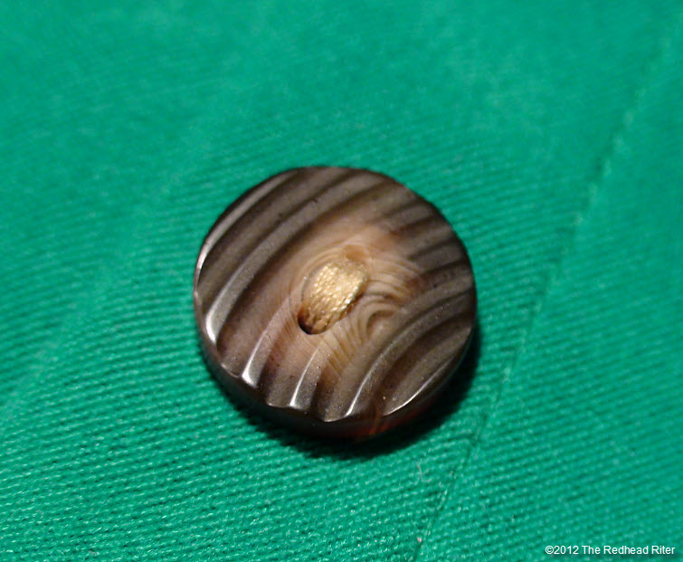 button wood brown two hole