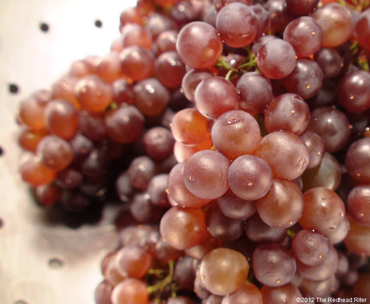 tiny juicy purple champagne grapes 1