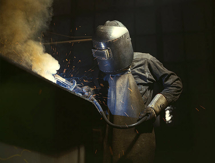 welder blue collar worker
