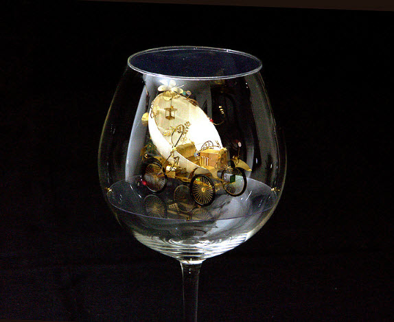 Syzmon Klimek Artist Miniature Mechanical Creations In Wine Glasses 2