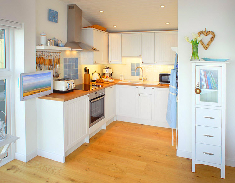 beach house kitchen The Edge Whitsand Bay, Cornwall