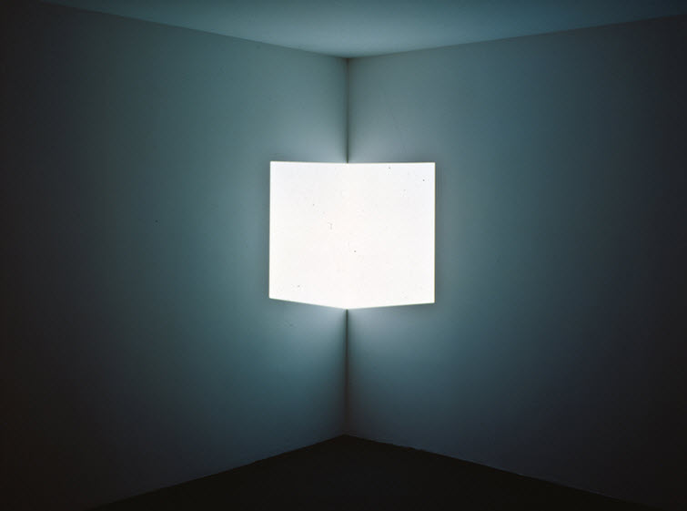 James Turrell light art Stufe white