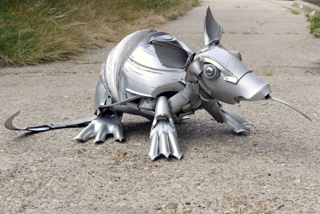 armadillo Car Part Art - Old Recycled Hubcaps Into Awesome Sculptures