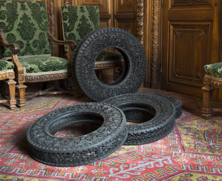 engraved rubber tires Wim Delvoye 9