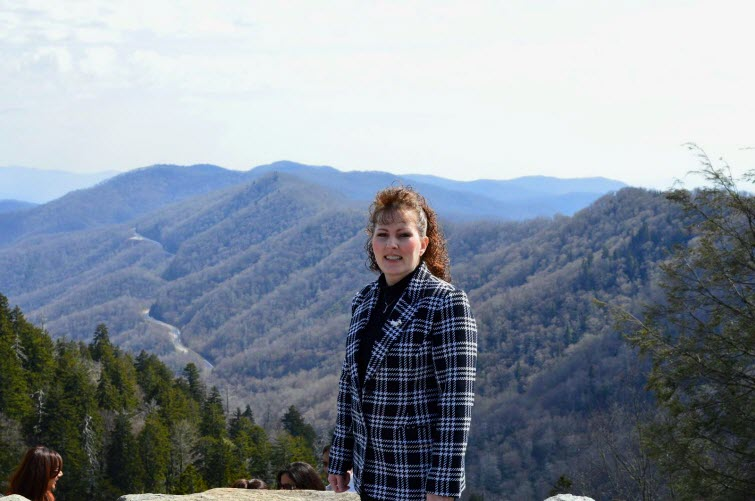 redhead riters sister audrey in mountains