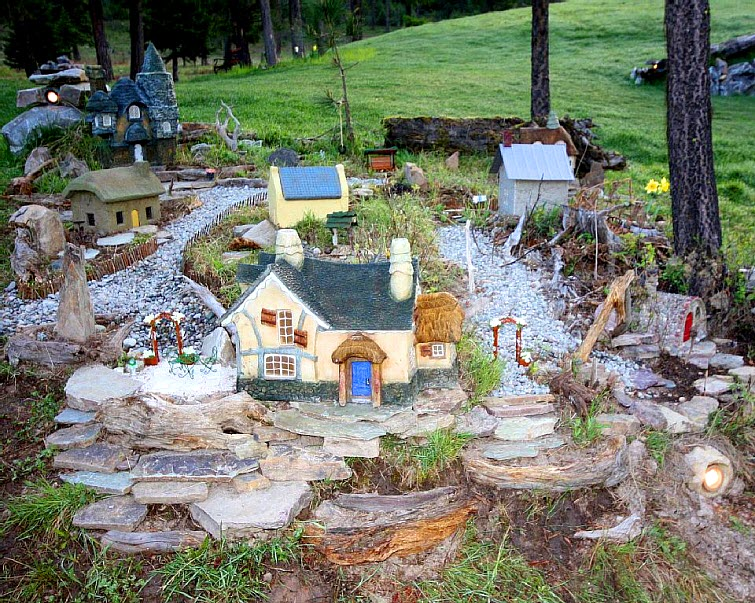 The Shire Of Montana - Real Hobbit House In MT 10