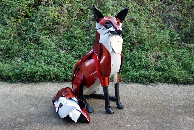 fox-car-bumpers Car Part Art - Old Recycled Hubcaps Into Awesome Sculptures