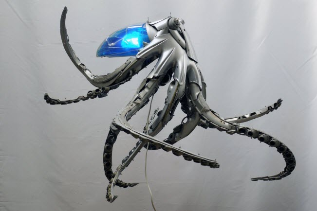 octopus Car Part Art - Old Recycled Hubcaps Into Awesome Sculptures